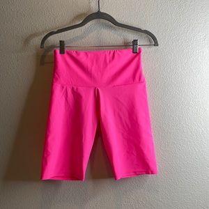 Onzie flow hot pink biker short